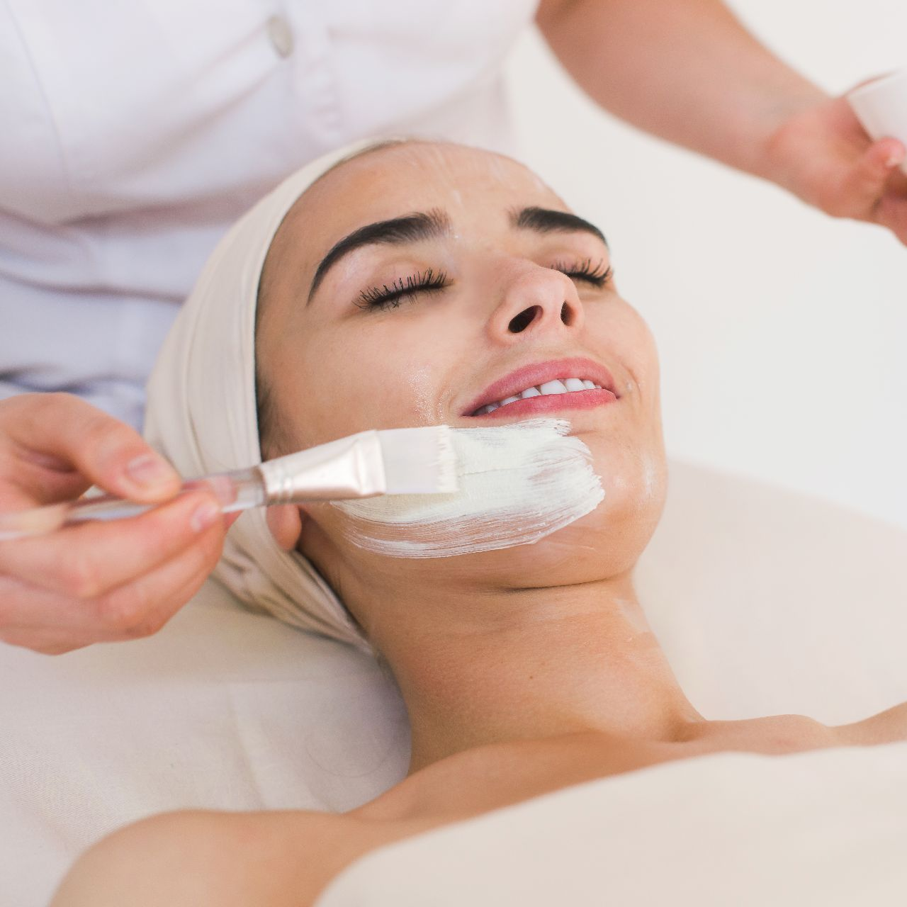 Chemical Peels - Cosmetic Dermatology - Dermo Aesthetic Surgery